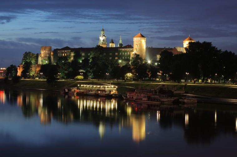 Wawel-Castle-Mariusz-Cieszewski_small-760x504[1]